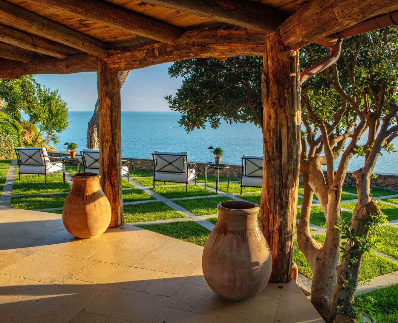 Nicholas-Haslam-Portofino-Garden-32-aspect-ratio-555×450