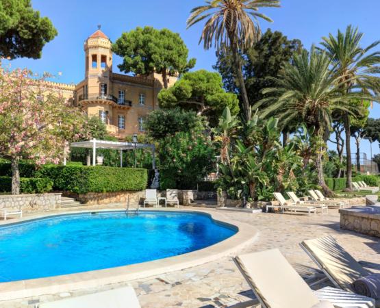 Nicholas-Haslam-Sicilian-Hotel-35_555x450_acf_cropped